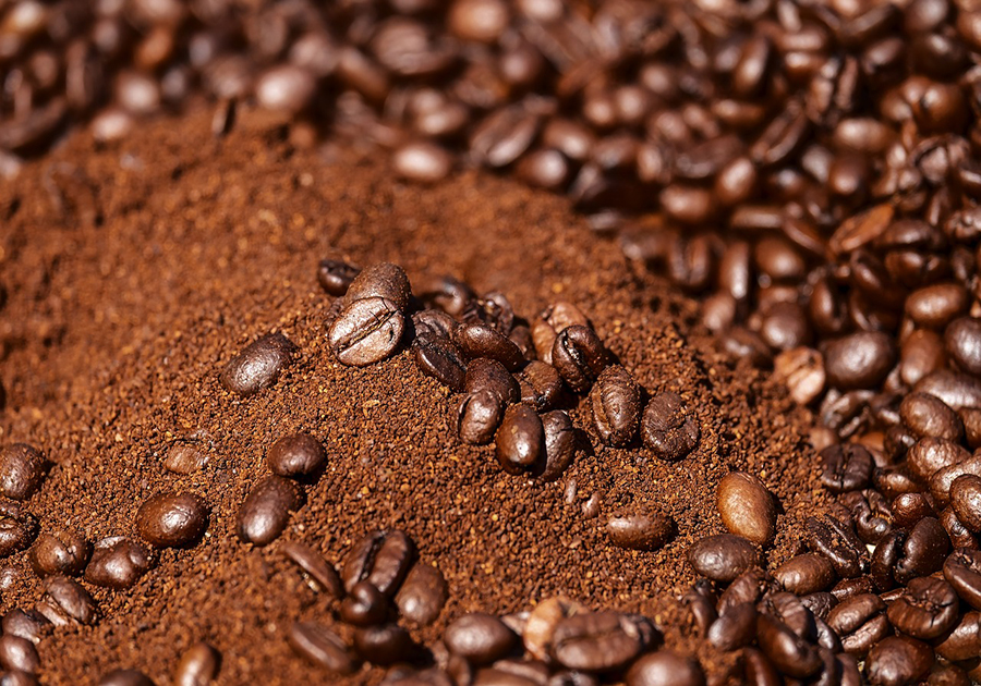 coffee grinds and roasted beans
